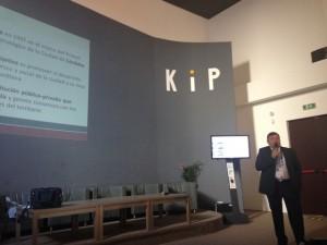 Dentesano presentando Innovación y Capital Humano