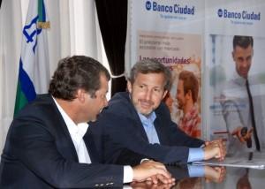 """""""Embajador"""" macrista anunció en Río Cuarto línea de créditos para la vivienda"""