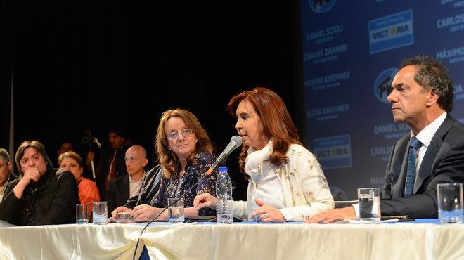 Santa Cruz-Cristina-Scioli-Maximo-Alicia