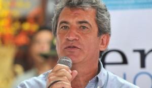 Urribarri se sumó a los gobernadores (sciolistas) que plantean un acuerdo con los fondos buitre