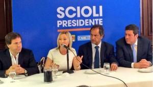 """Defensa K y reproche """"renovador"""" por el pase de Mónica López al FpV-Scioli"""