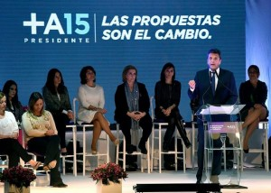 "En la disputa por quien entra al balotaje, Massa desafió a Macri a un debate ""mano a mano"""