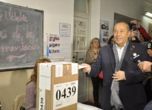 Balotaje: El puntano del 1,7 de votos, definirá su postura luego de que se reúna con Scioli y Macri