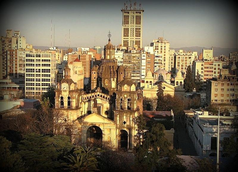 Ciudad de cordoba catedral y torre angela