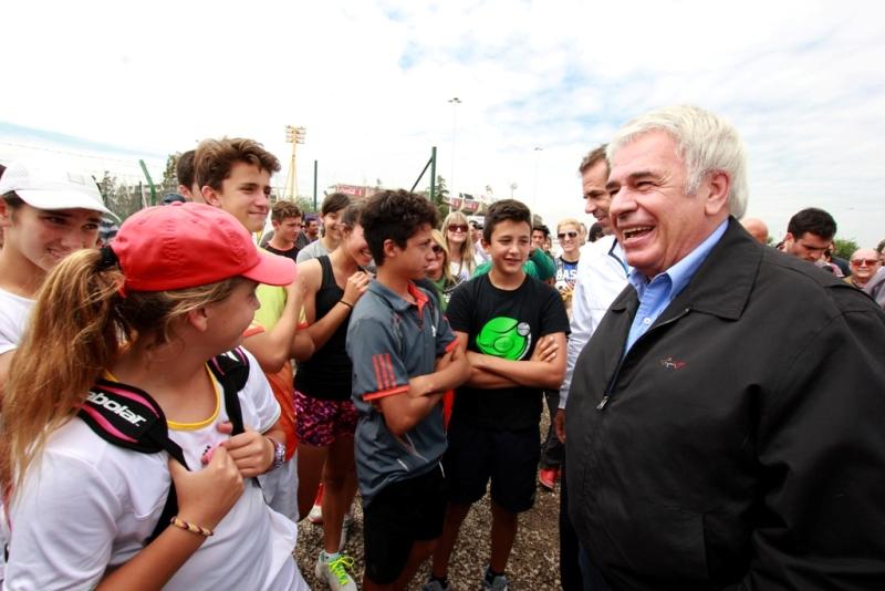 El gobernador De la Sota encabezó el acto de inauguración de las seis canchas de tenis en el Kempes.