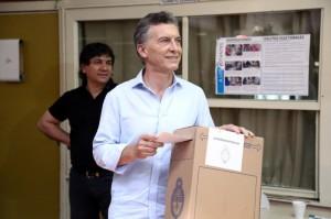 #Balotaje Macri votó y abogó por la unidad de los argentinos