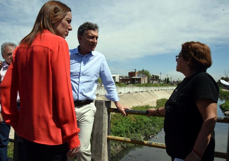 Mauricio Macri y María Eugenia Vidal, escuchan el pedido de vecinos de Lomas de Zamora