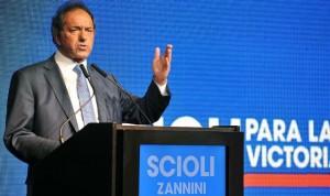 """Dos modelos: Scioli remarcó que """"Macri quiere aumentar las reservas pidiéndole al FMI y yo con inversiones"""""""