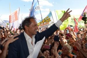 Scioli cierra su campaña con dos actos en territorio bonaerense