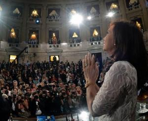 Tras la decisión de CFK de no asistir a la asunción de Macri, legisladores K pegarán el faltazo