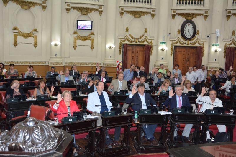 PRENSA LEGISLATURA - El pleno legislativo durante la última sesión del 137° periodo (1)