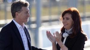 """Traspaso de mando: Para la EGN, el mandato termina a las 24 del 10D y CFK afirmó que se hará """"lo que diga la Constitución"""""""
