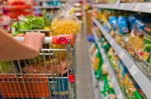 Impulsan una «rebaja en el IVA» a productos que consuman beneficiarios de planes sociales