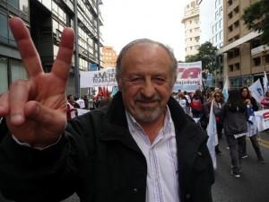 """Yasky sostuvo que la discusión salarial debe darse en """"paritarias libres"""" y cuestionó a Prat Gay"""