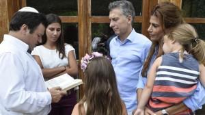 Ante las hijas de Nisman, Macri se comprometió a hacer justicia con la memoria de su padre