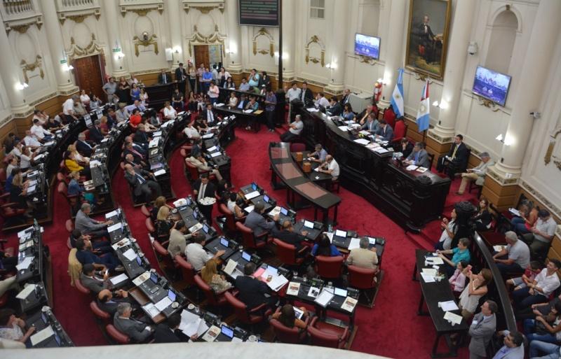 El pleno legislativo durante la tercera sesión ordinaria - PRENSA LEGISLATURA