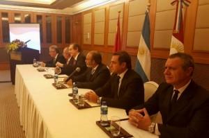 López y Sosa se reunieron con entidades de financiamiento por los gasoductos