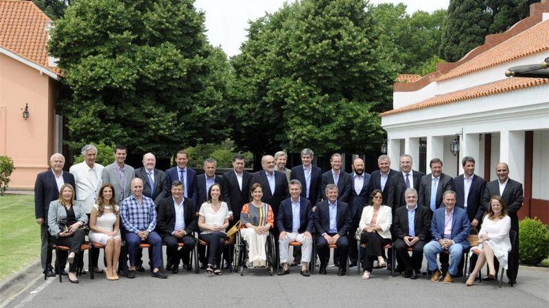 macri y gobernadores institucional grande