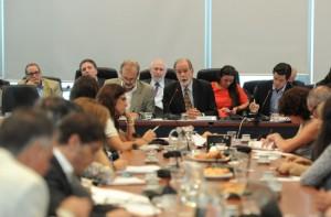 Holdouts: Mientras políticos y economistas (con matices) se expresaron a favor del acuerdo, el kirchnerismo duro lo rechaza