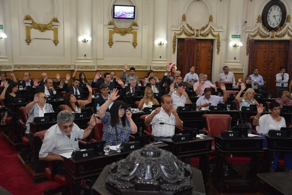 El pleno legislativo durante  sesión ordinaria - PRENSA LEGISLATURA (3)