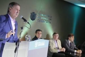 """A través de """"Aurora"""", Schiaretti se comprometió a construir 1.600 aulas y 60 nuevas escuelas, durante su gestión"""