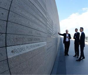 """#24M En Parque de la Memoria, Obama destacó """"la valentía y perseverancia"""" de  los familiares de las víctimas"""