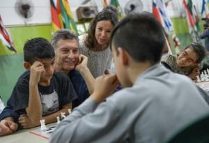 Macri visitó un centro comunitario de Vicente López
