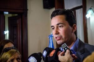 """Nueva deuda en dólares: Calvo rechazó las críticas opositoras que apuntan a un """"gravoso"""" endeudamiento"""