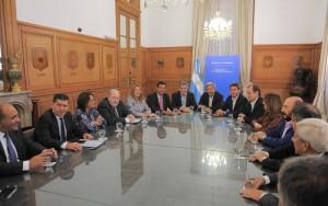 Diálogo con provincias: Reunión en la Rosada con gobernadores por la coparticipación