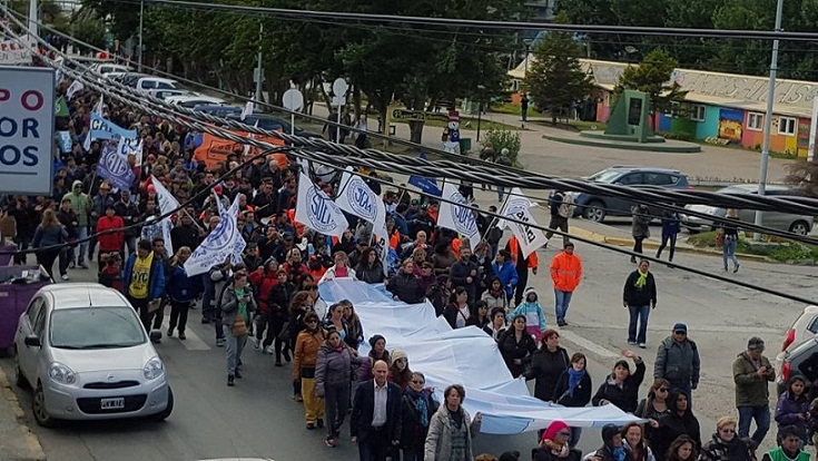 manifestacion estatales Ushuaia Gremiales del Sur