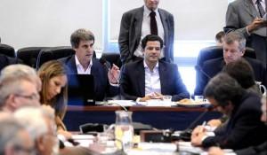 Picante cruce entre Prat Gay y Kicillof  por negociación con los holdouts