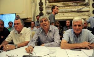 Centrales obreras con reclamo unificado en el Senado por despidos y Ganancias
