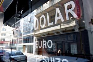 Gobierno macrista sostiene que el dólar sube por efecto del Brexit
