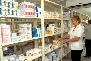 Farmacias suspenden PAMI por el atraso en pagos
