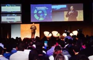 """Llaryora abogó por el """"conocimiento genuino"""" aplicado a generar nuevos productos"""