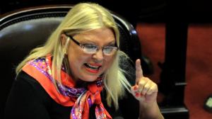 "Para Carrió, hay grupos que ""trabajan para voltear a Macri"""