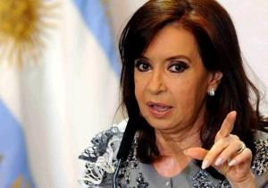 """Tras los allanamientos y la orden de investigarla, CFK  denunció """"persecución política"""""""