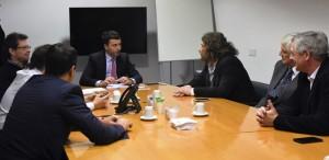 Aceleran colaboración con privados y cooperativas para terminar con la brecha digital