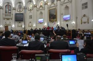 """Unicameral: Conducta """"delincuencial"""" de López repudiada por """"propios y extraños"""""""