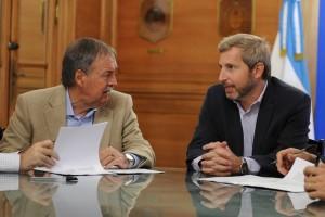 Servicios/Viviendas: Córdoba y Nación rubricaron acuerdo por microcréditos