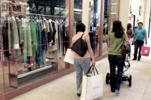 Ventas acumulan una caída de 5,7% en el primer semestre