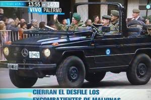 Aldo Rico participó del desfile militar y causó polémica en las redes