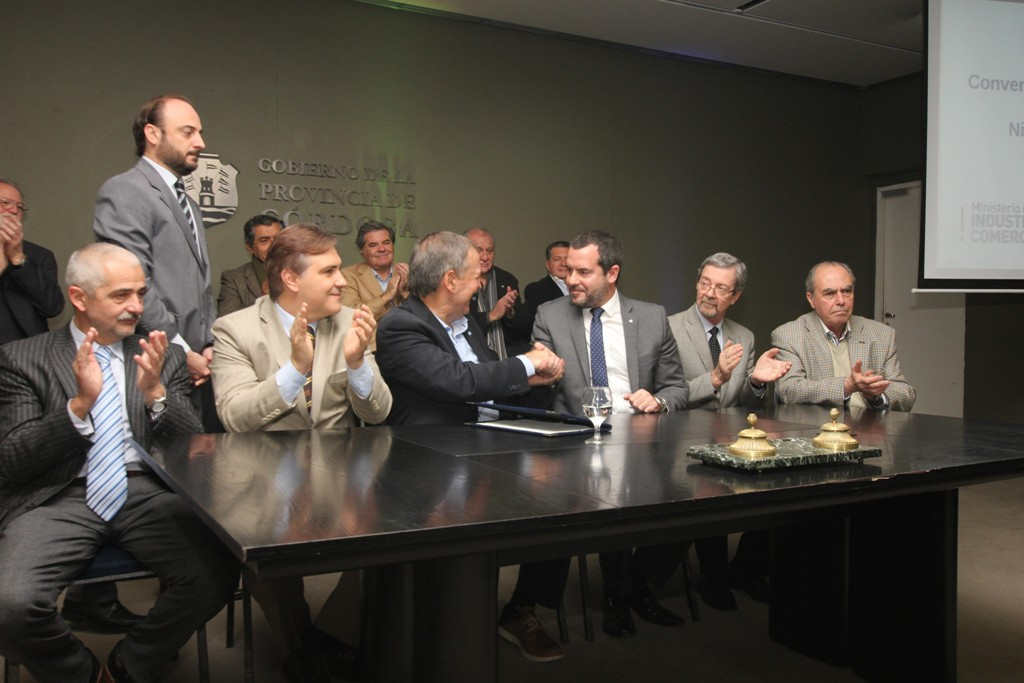firma convenio Nissan Schiaretti