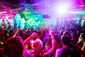 Drogas/Rave: Proponen suspender fiestas masivas de música electrónica