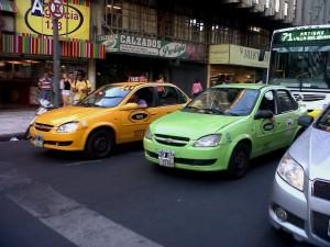 """ADN impulsa """"Compre Córdoba"""" de autos para los servicios de taxis y remis"""