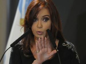 """Tras negar operaciones ilegales, CFK denunciará a dos periodistas por """"difamación"""""""