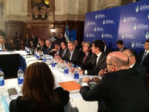 En el Senado, Frigerio defendió la inversión en la obra pública y habló de generación de empleo