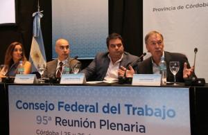 Junto a Triaca, Schiaretti (optimista) abogó por el debate de temas claves acerca del trabajo