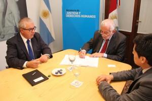 Mediante convenio con experto internacional se busca revisar experiencias en América Latina sobre reforma procesal civil