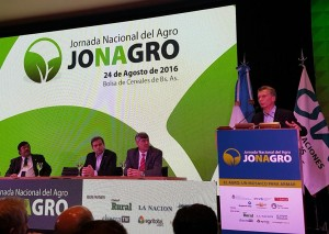 En escenario ruralista, Macri ratificó la apertura a mercados globales